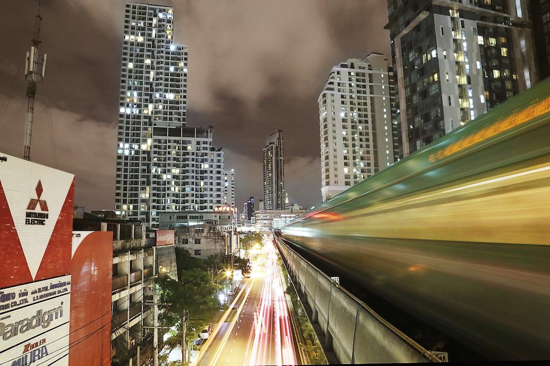 Världens mest populära storstad trotsar militärkupper och terrorism.