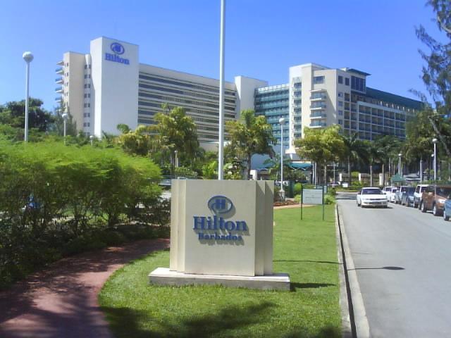 Kinesiska HNA Group köper en fjärdedel av Hilton Worldwide.
