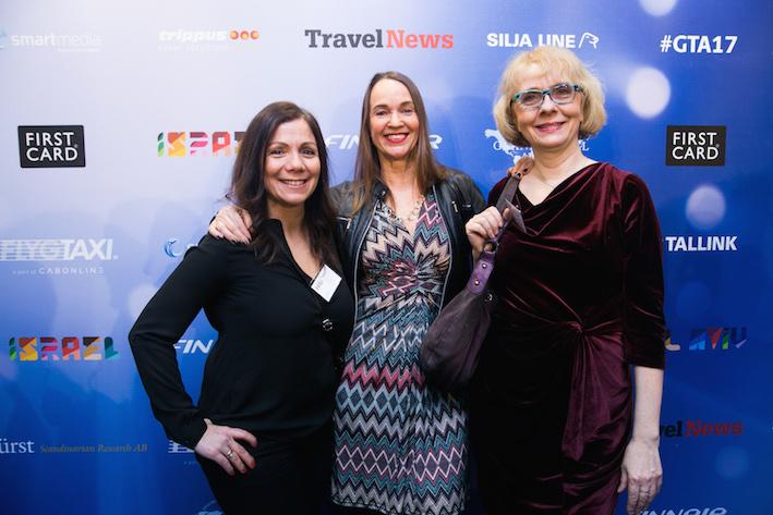 Grand Travel Award-juryns ordförande Pernilla Dorch flankeras av Sofia Pascalidou (t.v.) och Maria Jarn (t.h.). Alla är från HRG Nordic. Foto: Olof Grind